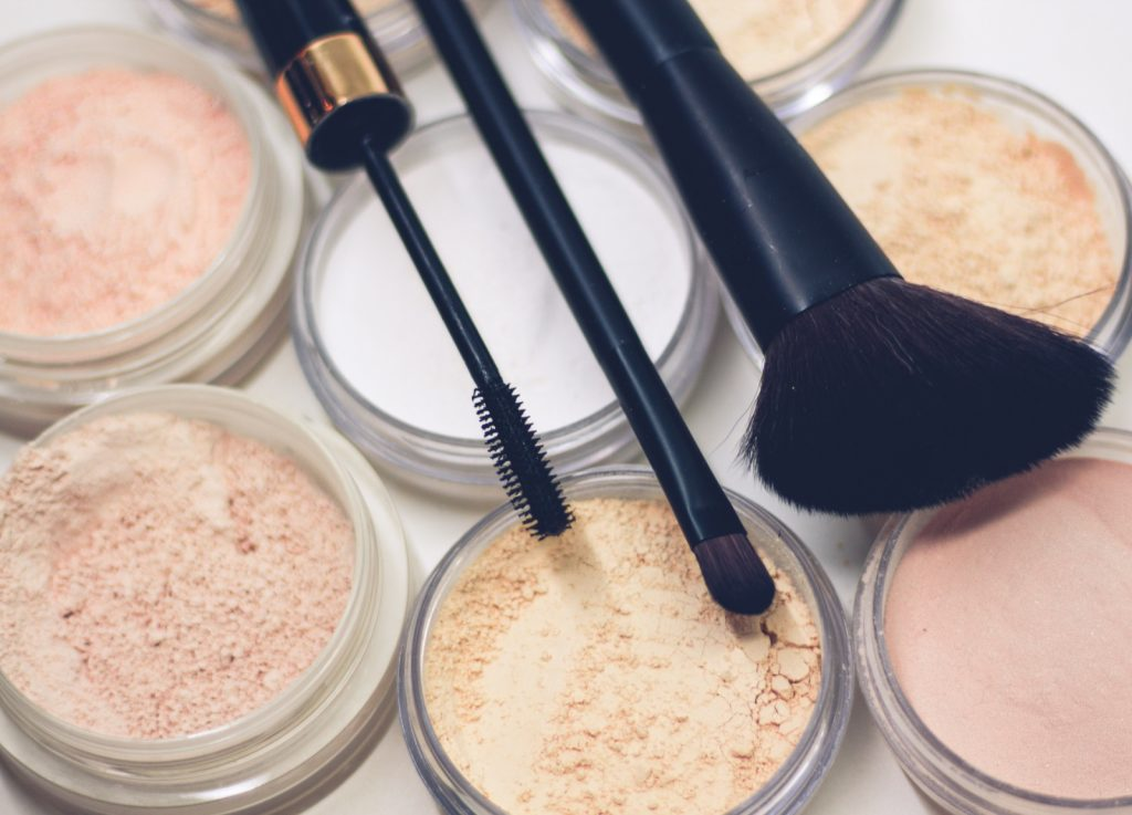Makeup powder and makeup brushes